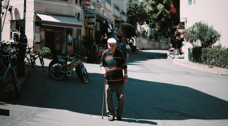 The old man on the street